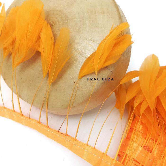 Перья петуха на ножках, светло-оранжевые